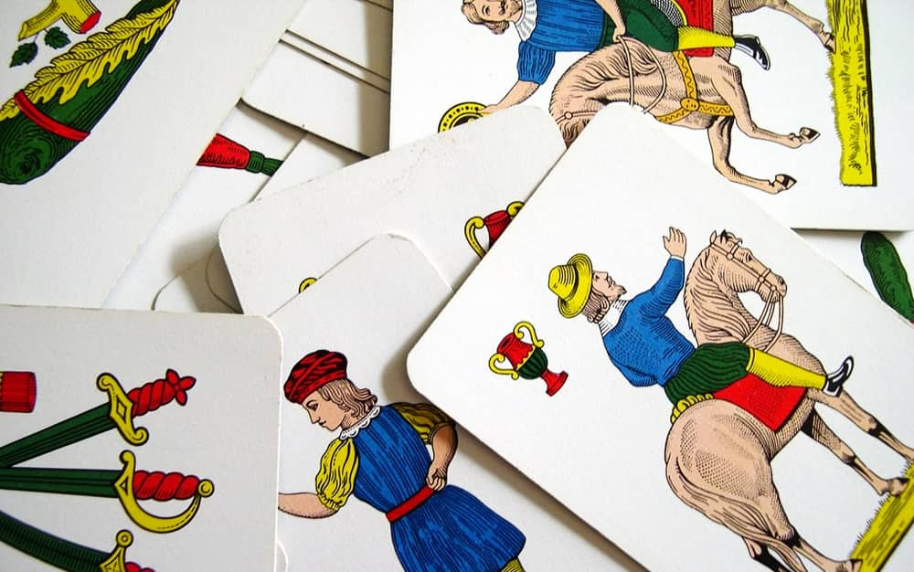 How To Have Fun In The Family Some Traditional Italian Board Games