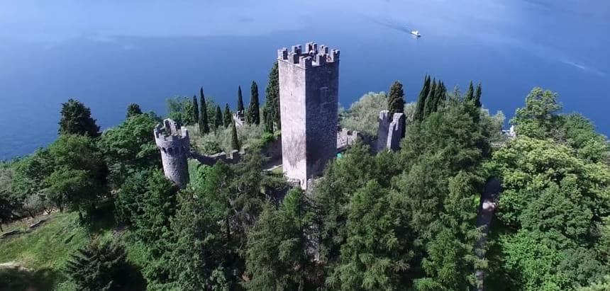 20201004204928Castello-di-Vezio-Lago-di-Como.jpg