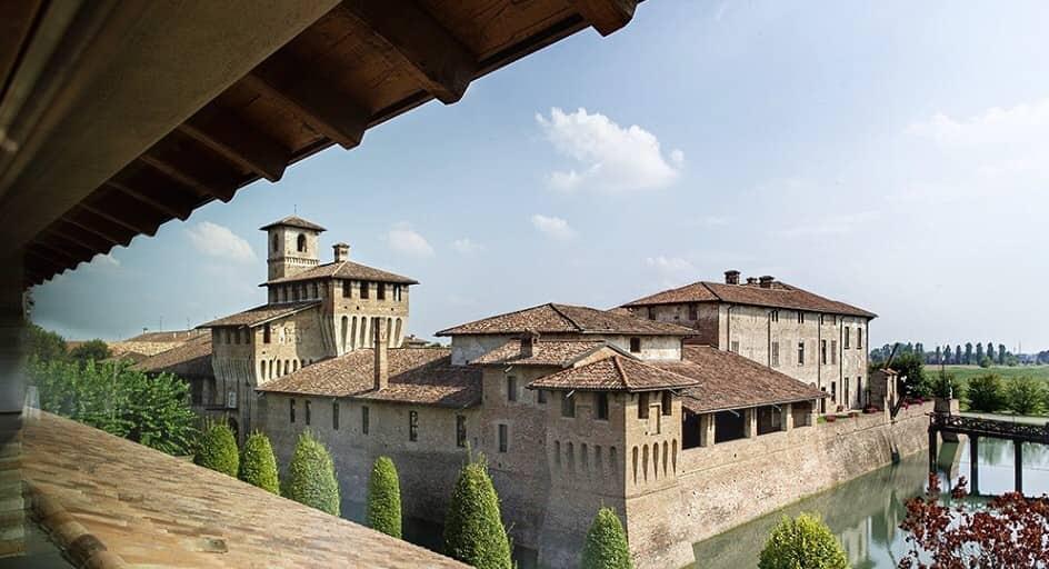 20201004210121al_castello_di_pagazzano_la_corte_berghemina_2007.jpg