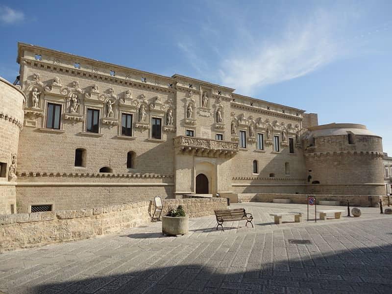 20201017151920800px-Castello_De_Monti_di_Corigliano_d'Otranto.jpg