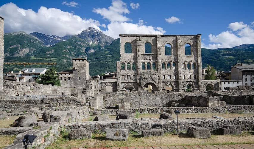 20201127165306Teatro_Romano_Aosta.jpg