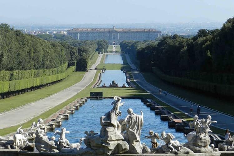 20210308195330Visitare-la-Reggia-di-Caserta-da-Napoli-con-parco-1140x660.jpg