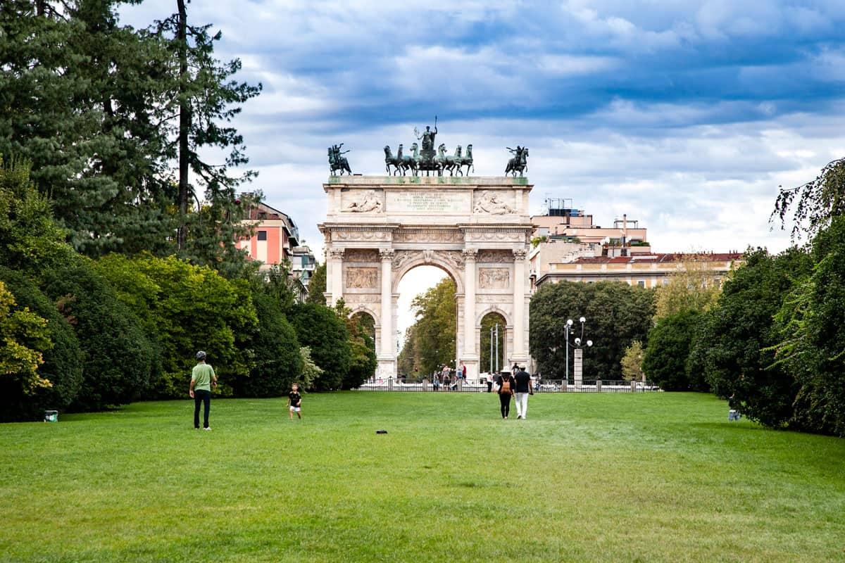 20210311170727Arco-della-Pace-di-Milano-visto-da-Parco-Sempione.jpg
