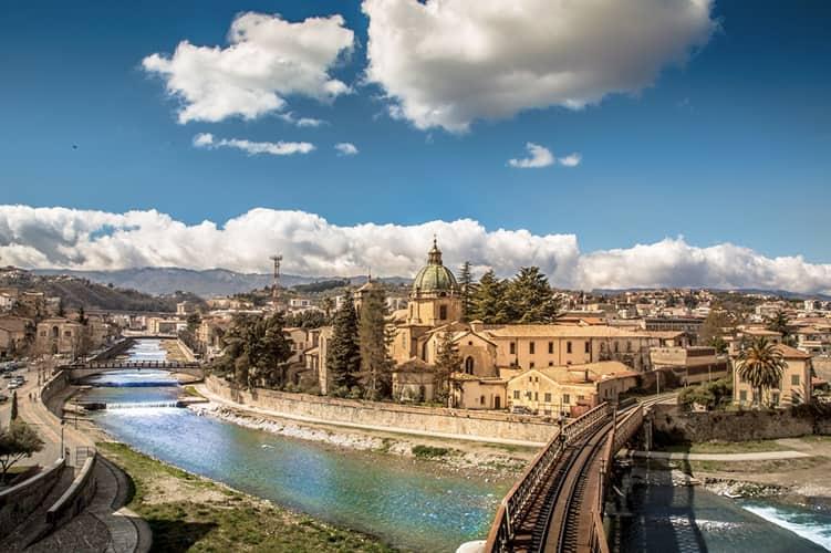 20210316160543Cosenza_Panorama_San_Domenico_e_Fiume.jpg