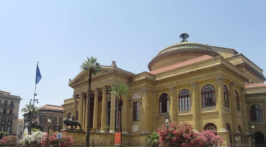 202103271411281024px-Teatro_Massimo,_Palermo,_Sicily,_Italy_(9455427237).jpg