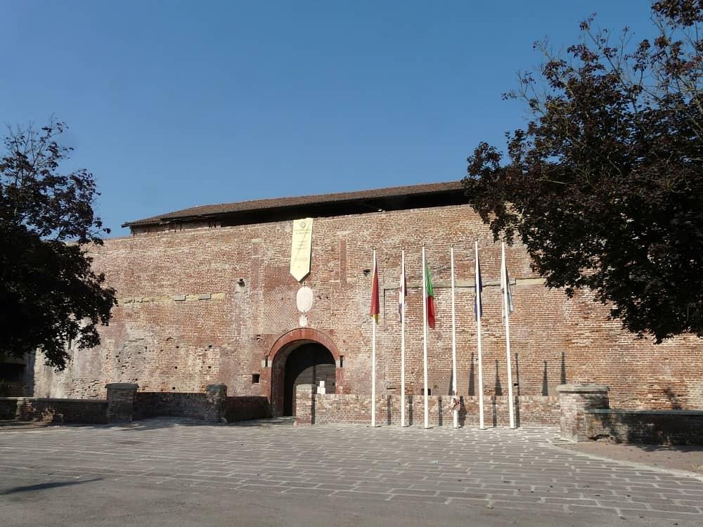 20210821220900Casale_Monferrato-castello1.jpg