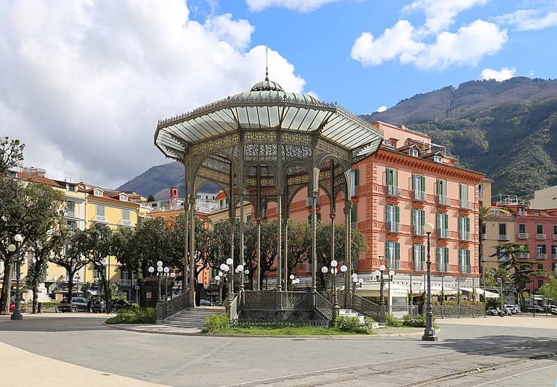 20210825190534Sailko-Castellammare_di_stabia,_piazza_principe_umberto,_cassa_armonica_di_eugenio_cosenza,_1901_(ma_ricostruita_nel_1914)_01.jpg