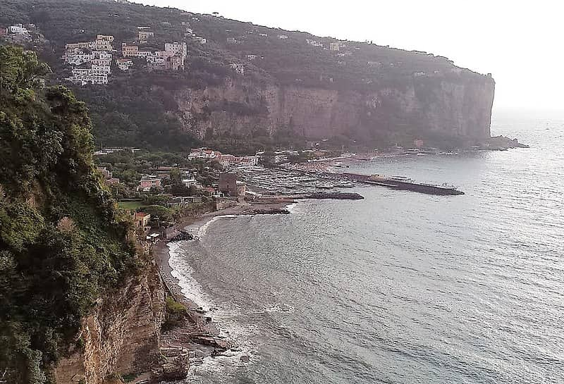 20210826104116Antiqueight-View_of_Marina_di_Equa_and_the_Tower_seen_from_Vico_Equense.jpg