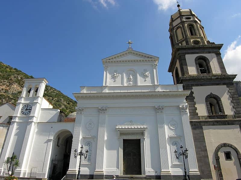 20210826111938Linoizzo-Basilica_di_Santa_Maria_del_Lauro.jpg
