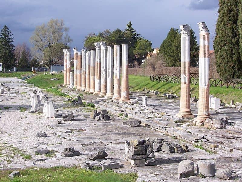 20210907111037Zavijavah-Foro_romano_di_Aquileia.jpg