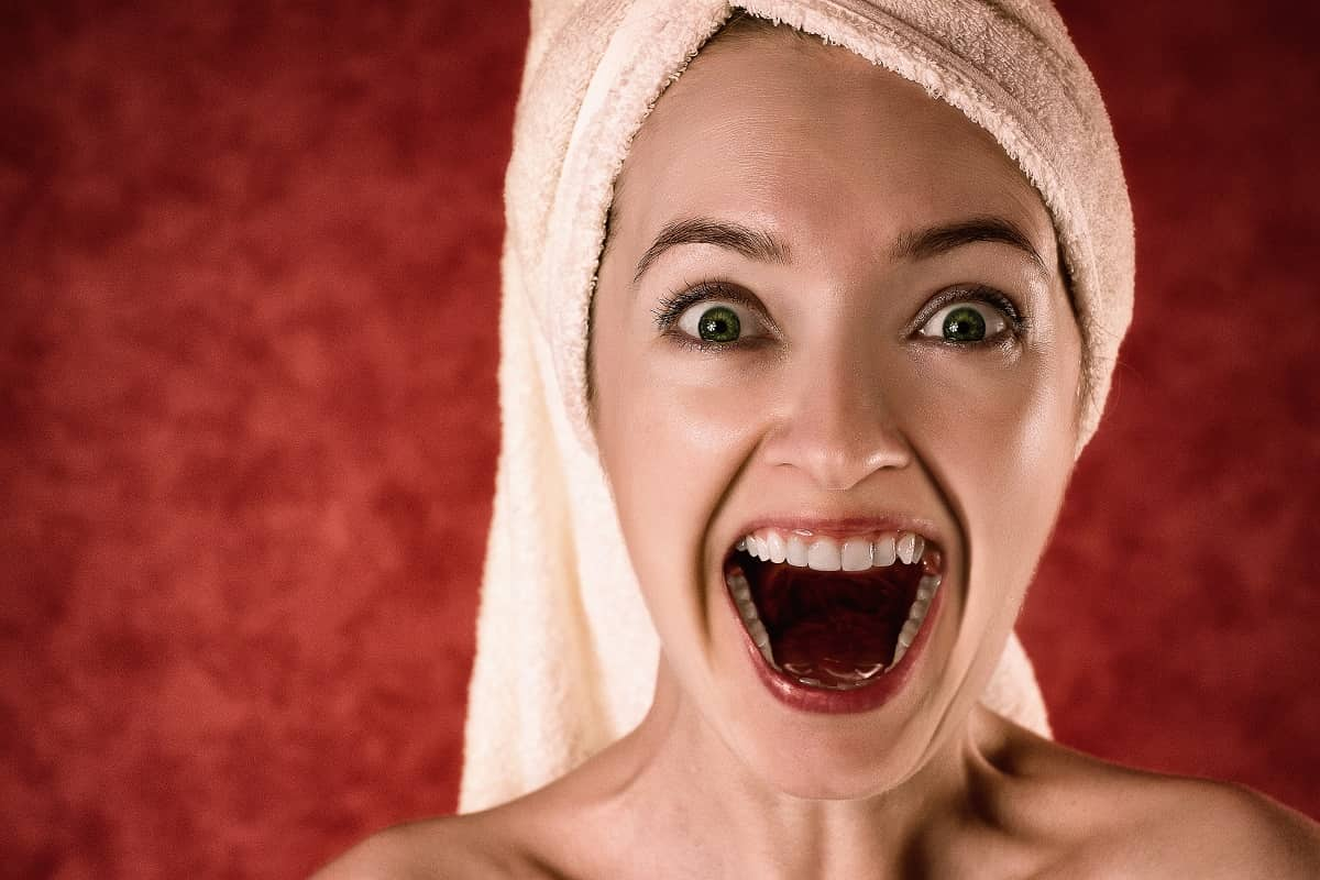 20210925173225hand-person-girl-woman-hair-photography-1182372-pxhere.com.jpg