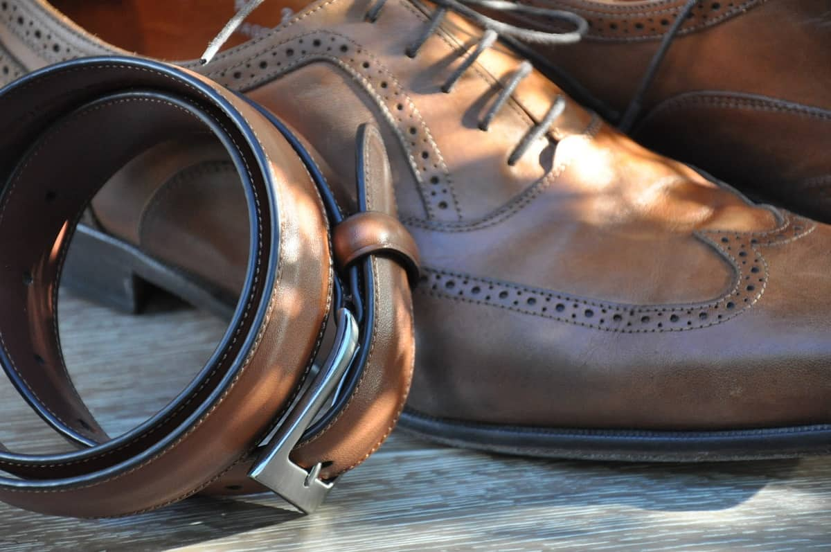 20210925193752man-suit-shoe-leather-male-boot-857421-pxhere.com.jpg