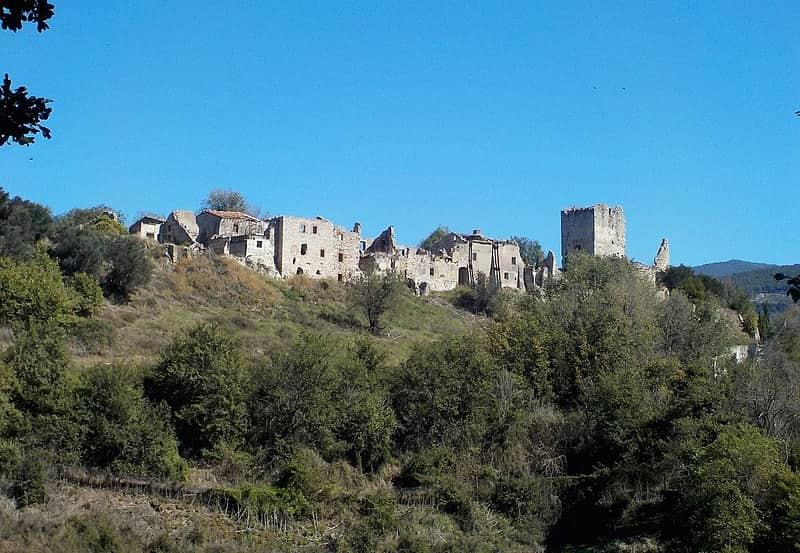 20211004174437Albarubescens-Il_borgo_fantasma_di_Stazzano_Vecchio,_Lazio.jpg
