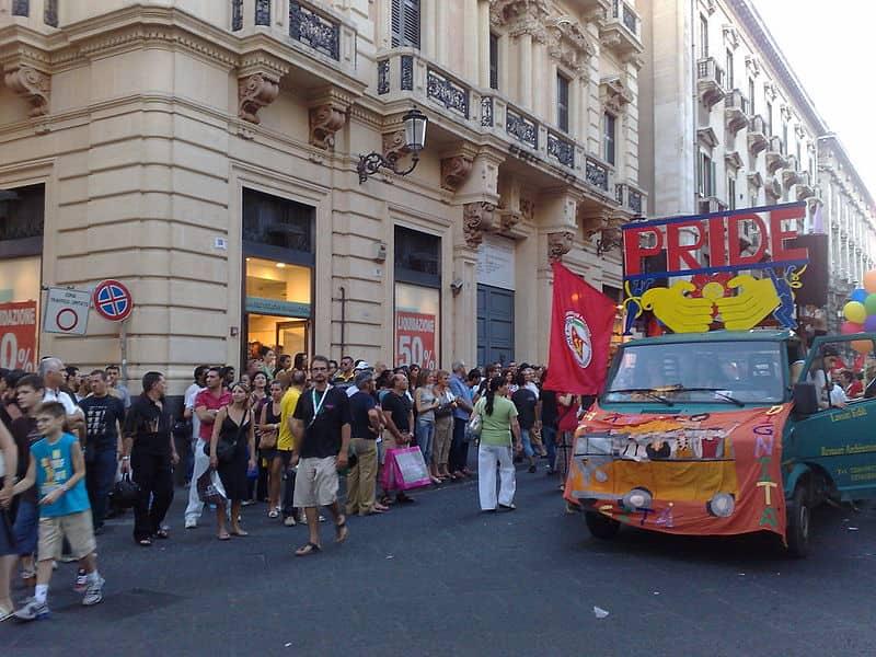 20211009184356800px-Catania_Pride_Dedda71.jpg